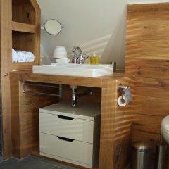 Отель De Greenhouse Нидерланды, Амстердам - отзывы, цены и фото номеров - забронировать отель De Greenhouse онлайн ванная