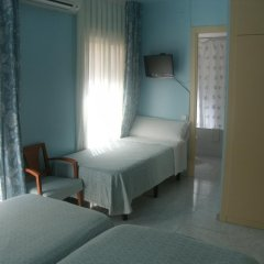 Отель Marina Folch Барселона комната для гостей фото 2