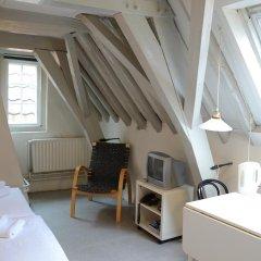 Hotel de Tabaksplant 3* Номер категории Эконом с 2 отдельными кроватями (общая ванная комната) фото 6