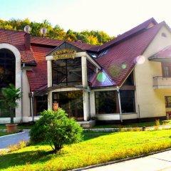 Гостиница Курорт Солнечная Поляна вид на фасад фото 3