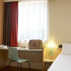 Отель Ibis Poznan Stare Miasto 2* Стандартный номер фото 2