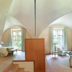 Four Seasons Hotel Milano 5* Люкс с двуспальной кроватью фото 25