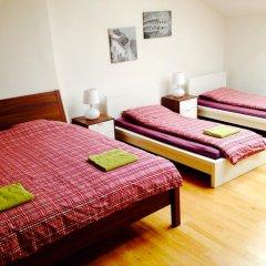 Hostel One Miru Кровать в общем номере с двухъярусной кроватью фото 26