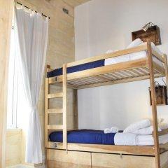 Two Pillows Boutique Hostel Кровать в общем номере с двухъярусной кроватью фото 6