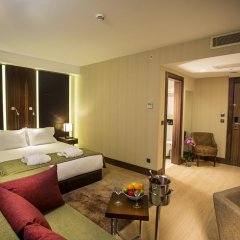 Отель Ramada Encore Istanbul Airport комната для гостей фото 5