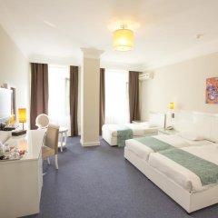 Отель Amber 4* Улучшенный номер с различными типами кроватей фото 3