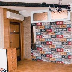 Hostel Kamin Стандартный семейный номер разные типы кроватей (общая ванная комната)