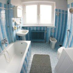 Отель Kwatery Pracownicze Mira Польша, Познань - отзывы, цены и фото номеров - забронировать отель Kwatery Pracownicze Mira онлайн ванная