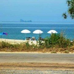 Отель Euro Lanta White Rock Resort And Spa Ланта пляж