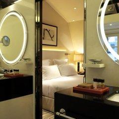 Отель Hôtel Montaigne 5* Стандартный номер с различными типами кроватей фото 2