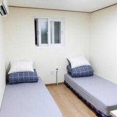 Отель Namsan Gil House 2* Стандартный номер с различными типами кроватей фото 15