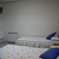 Отель JQC Rooms 2* Стандартный номер с 2 отдельными кроватями (общая ванная комната) фото 3