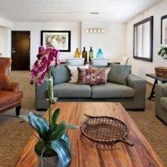 Отель Holiday Inn Express Guadalajara Autonoma 2* Улучшенный номер с различными типами кроватей фото 2