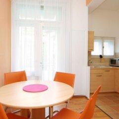 Апартаменты Ostrovni 7 Apartments Прага в номере