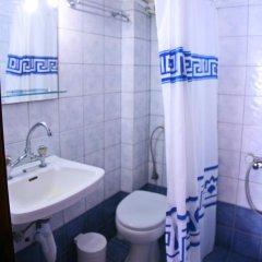 Отель Katerina Apartments Греция, Пефкохори - отзывы, цены и фото номеров - забронировать отель Katerina Apartments онлайн ванная
