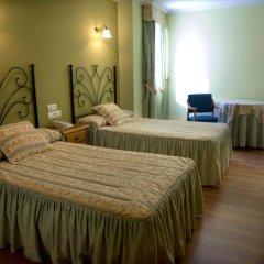 Hotel Alpina 2* Стандартный номер фото 2