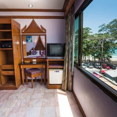 Отель Patong Beach Bed and Breakfast удобства в номере фото 2
