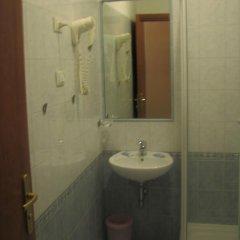 Отель Friendship Place 3* Стандартный номер с двуспальной кроватью фото 27