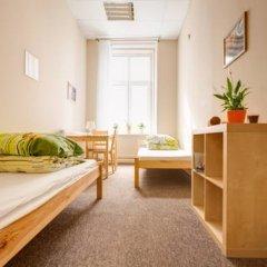 Cynamon Hostel Стандартный номер с двуспальной кроватью (общая ванная комната)