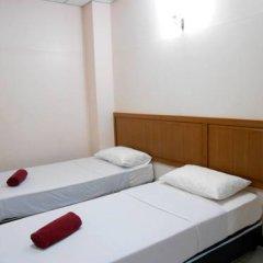 Отель Four Sons Village 2* Стандартный номер с 2 отдельными кроватями фото 8