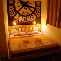 Hostel and Apartments Skadarlija Sunrise Стандартный номер с двуспальной кроватью (общая ванная комната) фото 5