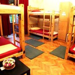 Hostel and Apartments Skadarlija Sunrise Кровать в общем номере с двухъярусной кроватью фото 3