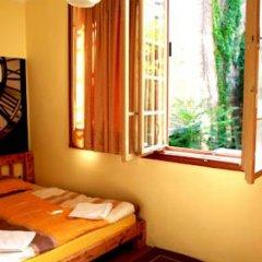 Hostel and Apartments Skadarlija Sunrise Стандартный номер с двуспальной кроватью (общая ванная комната)