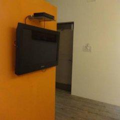 Raja Hotel 2* Улучшенный номер с различными типами кроватей фото 5