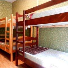 ZaZaZoo Hostel Стандартный семейный номер с разными типами кроватей фото 3