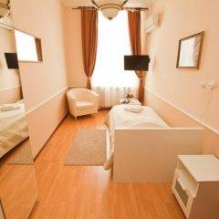 Gorkoff at Ostozhenka Hotel 2* Стандартный семейный номер с двуспальной кроватью фото 9