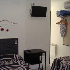 Отель Hostal JQ Madrid 1 Стандартный номер с 2 отдельными кроватями фото 3