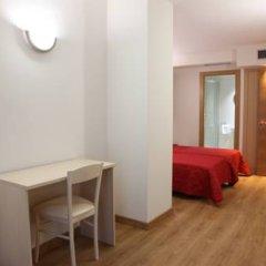 Отель Hostal Santel San Marcos Стандартный номер с различными типами кроватей фото 4