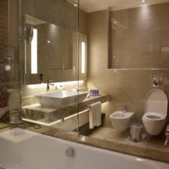 Отель Grand Millennium Amman 5* Номер Делюкс с различными типами кроватей фото 7