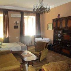 Отель Tsisana Guest House Стандартный номер с двуспальной кроватью