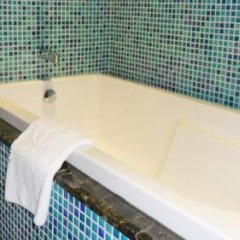 Golden Lotus Luxury Hotel 3* Представительский номер с различными типами кроватей фото 5