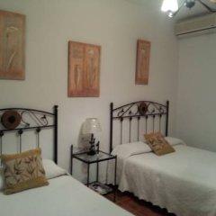 Отель Hostal El Canario Стандартный номер с двуспальной кроватью фото 11