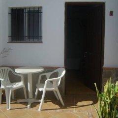 Отель Hostal El Canario Стандартный номер с различными типами кроватей фото 3