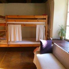 Отель Tabinoya - Tallinn's Travellers House Кровать в женском общем номере с двухъярусной кроватью фото 3