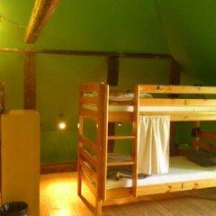 Отель Tabinoya - Tallinn's Travellers House Кровать в общем номере с двухъярусной кроватью фото 2