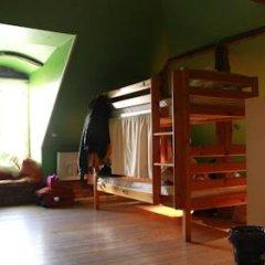 Отель Tabinoya - Tallinn's Travellers House Кровать в общем номере с двухъярусной кроватью