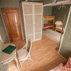 Гостиница Kinghouse Стандартный номер с различными типами кроватей (общая ванная комната)