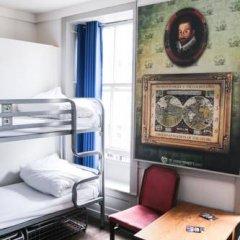 Отель St Christophers The Inn - London Bridge Кровать в общем номере с двухъярусной кроватью фото 16