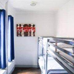 Отель St Christophers The Inn - London Bridge Кровать в общем номере с двухъярусной кроватью