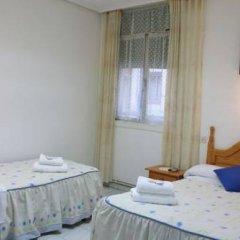 Отель Hostal Faustino Стандартный номер с различными типами кроватей фото 16