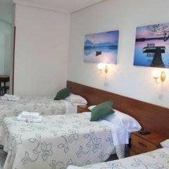Отель Hostal Faustino Стандартный номер с различными типами кроватей фото 11