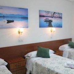 Отель Hostal Faustino Стандартный номер с различными типами кроватей фото 2