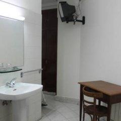 Отель Hostal Faustino Стандартный номер с различными типами кроватей фото 13