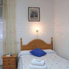 Отель Hostal Faustino Стандартный номер с различными типами кроватей фото 15