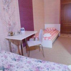 Гостиница Гермес 3* Стандартный семейный номер разные типы кроватей (общая ванная комната) фото 2
