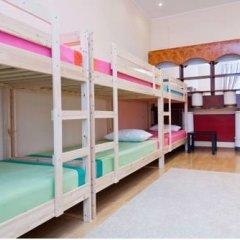 Top Hostel Кровать в мужском общем номере фото 3